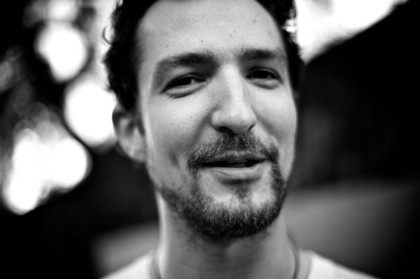 """and most of all i will not grow up!"" - Konzertbericht: Frank Turner live in der Kulturkirche Köln"